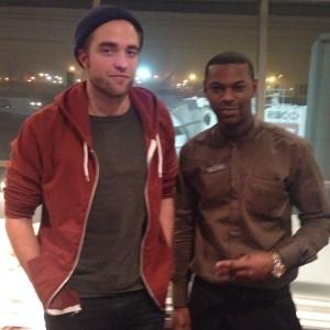 Robert Pattinson Rushing Back To See Kristen Stewart From NYC (PHOTO)