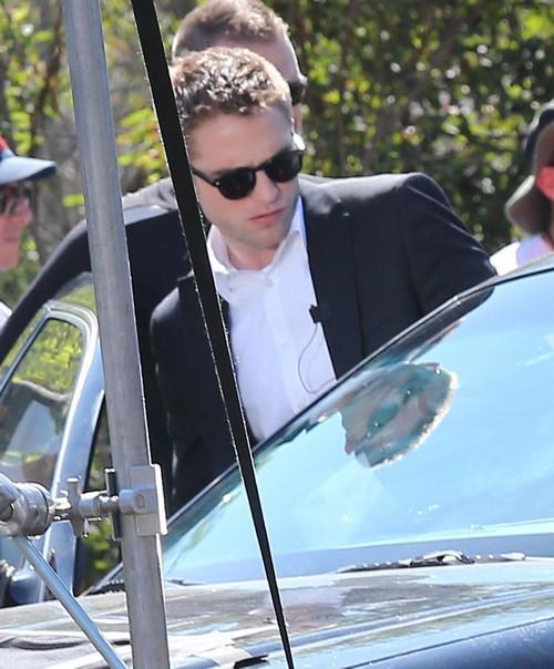 Robert Pattinson Recording Solo Album - Report