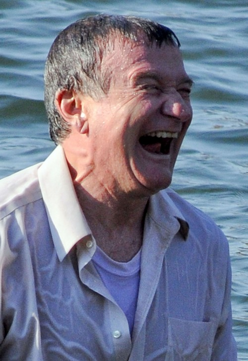 Robin Williams Dead from Suicide: Fear of Drug Addiction Relapse, History of Insecurity and Depression - Death From Asphyxia
