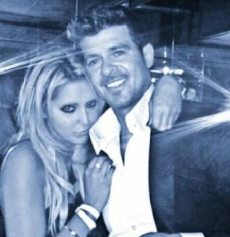 Robin Thicke Caught Cheating On Wife Paula Patton: Gropes Hot Blond (Photo)