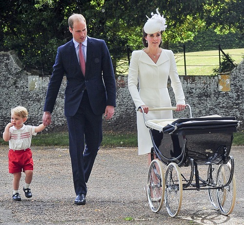 Kate Middleton Insists On Taking Prince George to School Everyday: Puts Family Over Royal Obligations