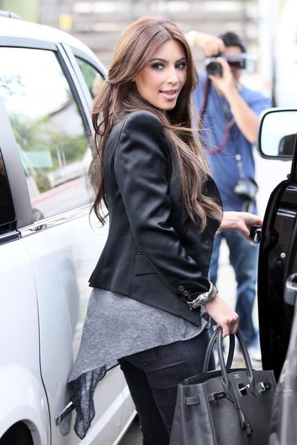 Kim Kardashian Lightens Her Locks