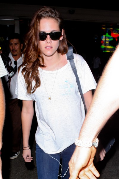 Kristen Stewart's A Mess After Robert Pattinson Split, Not Showering Or Eating Again 0520