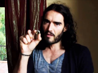 Russell Brand Already Has A New Girlfriend And Wants To Move In With Her!