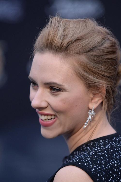 Scarlett Johansson Divorce: Romain Dauriac Fighting Over ... Scarlett Johansson Divorce