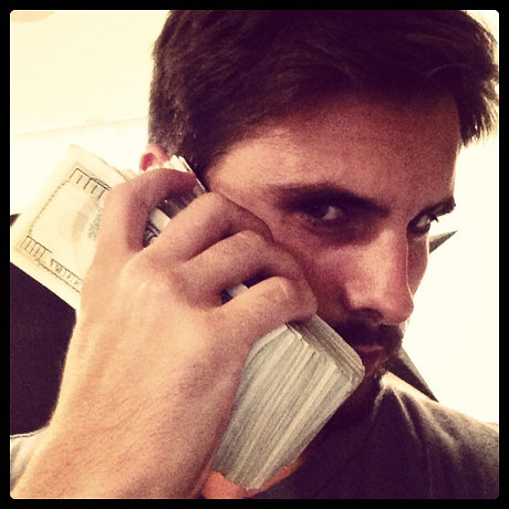 Scott Disick's $100 Bills Toilet Paper Roll: Posts Douchiest Instagram Pics in the History of Celebs! (PHOTOS)