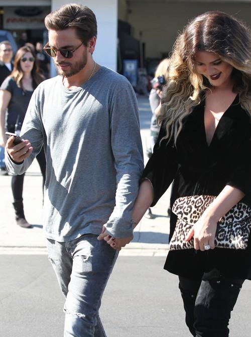 Kourtney Kardashian Furious Over Khloe Kardashian PDA With Scott Disick