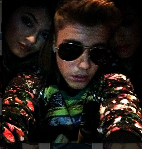 Justin Bieber Hooks-Up With Selena Gomez's Friends - See Which Ones
