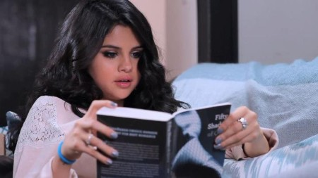 Selena Gomez Researches S & M To Give Justin Bieber 50 Shades Of Blushes 0522