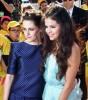 Kristen Stewart Forgiven By Robert Pattinson, Fans? Star Wins, Gets Slimed At Awards Show 0324