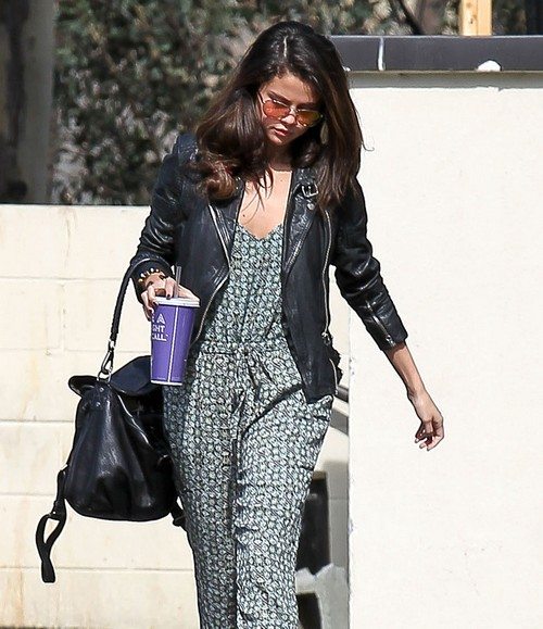 Selena Gomez Psych Ward Next Stop - Having a Mental Breakdown Like Britney Spears