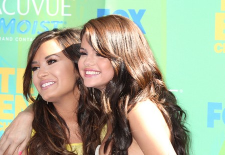 Selena Gomez and Demi Lovato Friendship On The Rocks