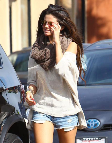 Selena Gomez Reconnects With Justin Bieber - Her Parents Want Him Out Of Their Daughter's Life, He'll Be Her Downfall!