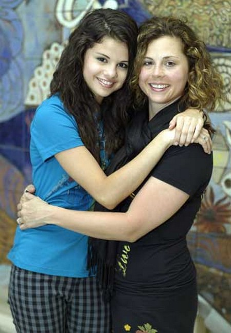 selena_gomez_mother
