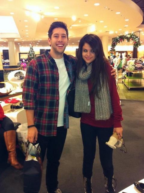 Selena Gomez Goes Sexy Secret Shopping While Justin Bieber Records