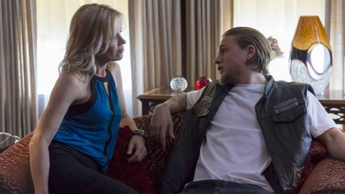 """Sons of Anarchy Season 6 Premiere REVIEW """"Is Jax Becoming More Sadistic Than Clay"""""""
