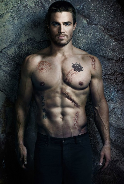 Stephen Amell Meets For Fifty Shades of Grey Movie Role As Christian Grey (VIDEO)