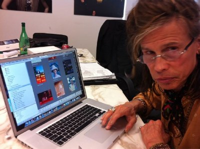 Steven Tyler To Tweet Nude Aerosmith Band Photos?