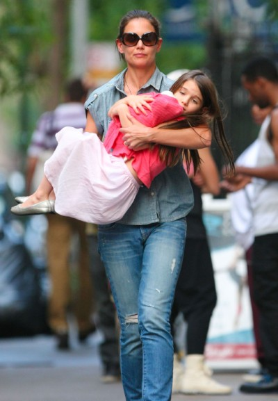 Katie Holmes Divorcing Tom Cruise To Get Suri Out Of Scientology 0629