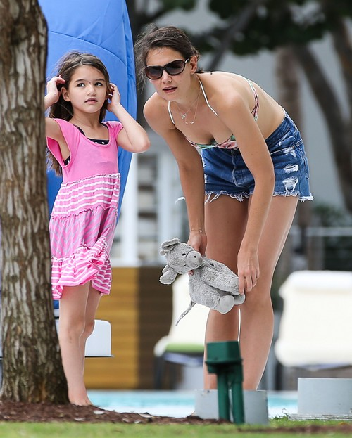 Suri Cruise Wants Pierced Ears - Will Katie Holmes and Tom Cruise Let Her?