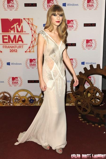 Taylor Swift and Robert Pattinson Love Interest Shocks Kristen Stewart