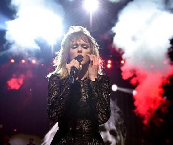 Taylor Swift Puts Career On Hold Following Public Kanye West, Kim Kardashian Feud: Plans Major Comeback For 2018?