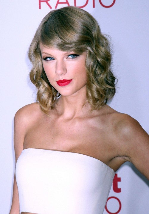 Taylor Swift To Be Ridiculed by Katy Perry and Rihanna at MTV EMA Awards: Diss, Embarrass, and Insult Plans?