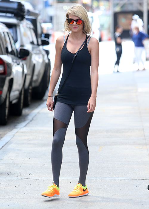 taylor swift is all smiles in nyc celeb dirty laundry