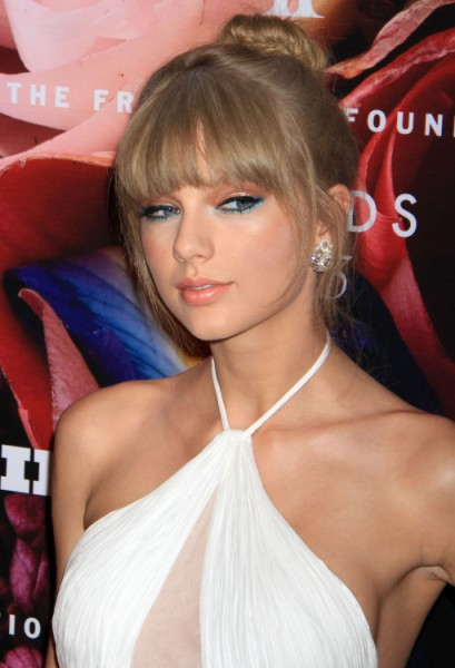 Taylor Swift Slams Kim Kardashian's Birth, Hilarious? 0617