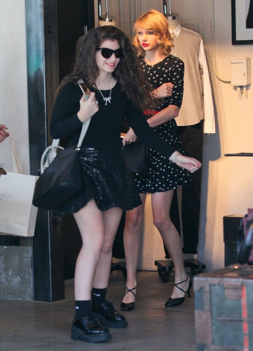 Lorde and Taylor Swift in Romantic Lesbian Relationship?