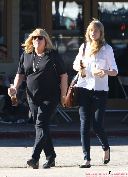 Taylor Swift's Mother, Andrea Swift Is Another Kris Jenner?