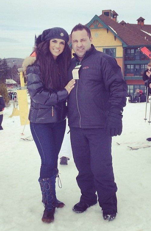 Teresa Giudice Begs For House Arrest - Does She Deserve Jail Time? (POLL)