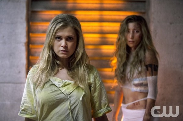 """The 100 Recap - Clark Learns The Truth: Season 2 Episode 3 """"Reapercussions"""""""
