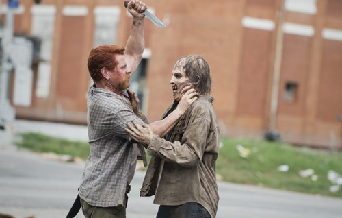 "The Walking Dead Spoilers and Synopsis Season 5 Episode 5 ""Self Help"" - What Happens to Carol and Beth - Sneak Peek Video"