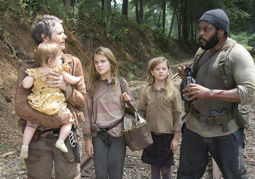 """The Walking Dead Spoilers Season 4 Episode 13 """"Alone"""" Sneak Peek Video"""