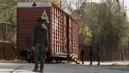 Walking Dead Season 5 Spoilers: Rick Breaks Out of Train Car A - Terminus Filled With Cannibals