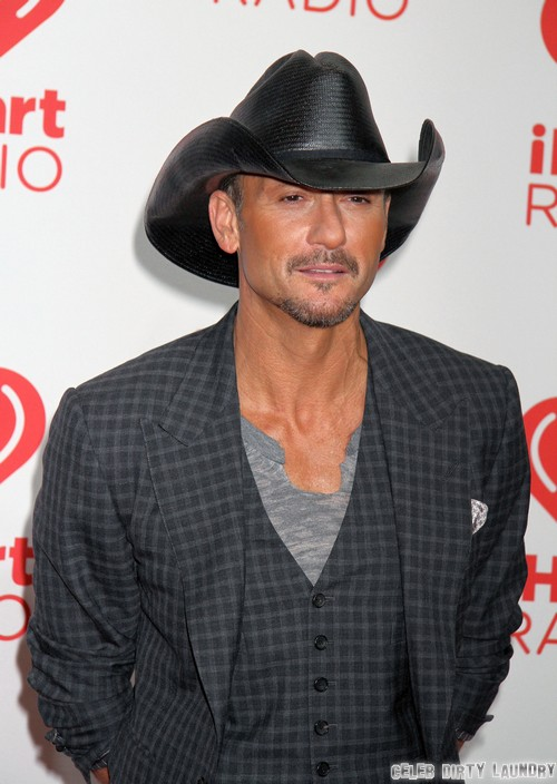 Tim McGraw And Faith Hill Separation and Divorce Proceeds: Tim Takes Off Wedding Ring and Marriage Crumbles