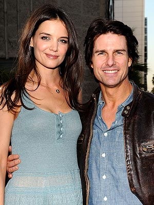 Tom Cruise Ready To Sue National Enquirer Over Claim That Suri Was Locked In Windowless Room