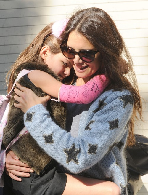 """Tom Cruise Blames Katie Holmes Divorce On Scientology - Agrees She is a """"Suppressive Person"""" For Protecting Suri"""