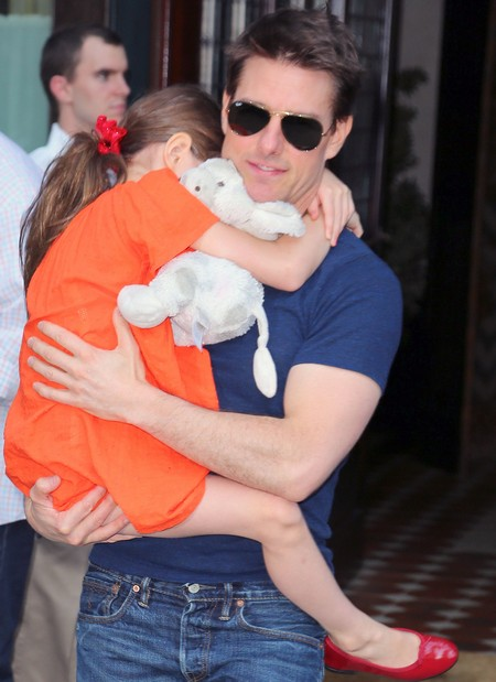 """Tom Cruise Drops Tabloid """"Suri Abandoned"""" Lawsuit After Depositions Damage Image"""