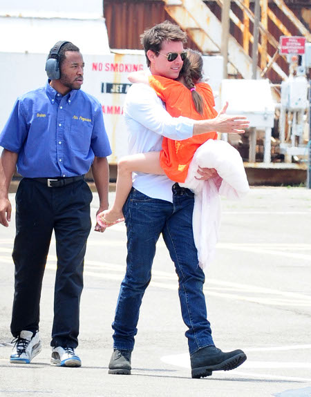 Tom Cruise's Neglect Causes Suri Cruise Tantrums – Katie Holmes Stymied