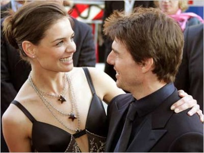 Tom Cruise & Katie Holmes Feuding With Anne Hathaway?