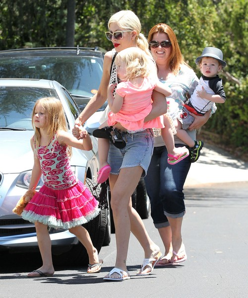 Tori Spelling Pregnant With Morning Sickness: Dean McDermott Wants Baby Number 5 - Report