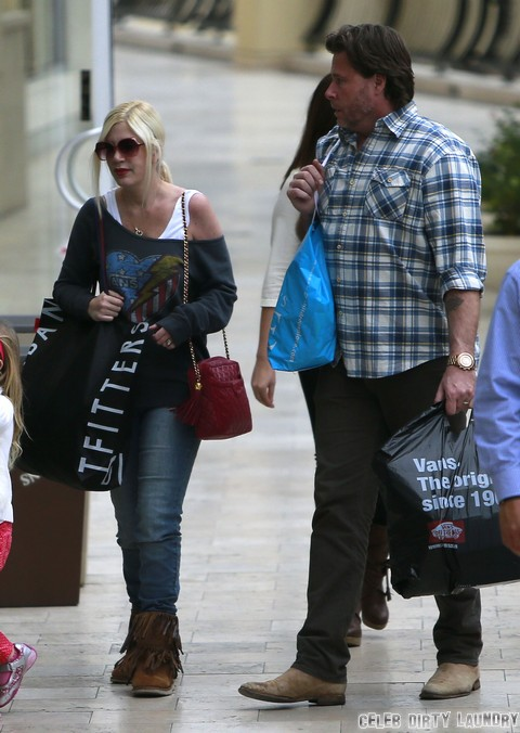 Tori Spelling Enjoys Family Outing