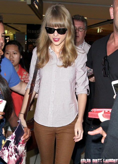 Taylor Swift Catching A Flight Home From Sydney