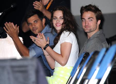 Robert Pattinson and Kristen Stewart Hate their Twilight Fans