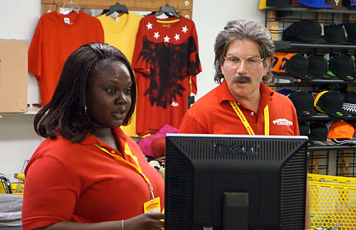 Undercover Boss Recap - Forman Mills Boss Has an Epiphany: Season 6 Episode 8