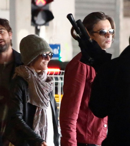 Exclusive... Vanessa Paradis & Benjamin Biolay Arriving In Paris