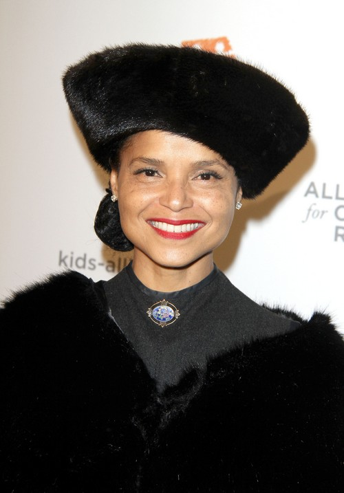 The Young and the Restless' Victoria Rowell Divorcing Radcliffe Bailey - Unlucky In Love Again