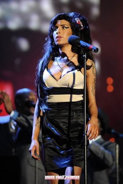 Police Investigate Mystery Man Involvement With Amy Winehouse
